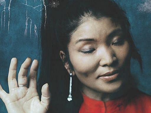 Výjimečná tibetská pěvkyně, zvaná hlas Tibetu, Yungchen Lhamo