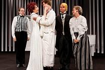 Snímek z inscenace Divadla Na Fidlovačce Proutník pod pantoflem
