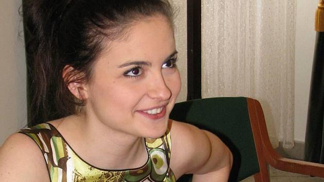 Jen dva dny po oficiální premiéře dorazila v pátek 29. dubna do uherskohradišťské Reduty nová česká pohádka Zdeňka Trošky Čertova nevěsta. Na snímku Eva Josefíková