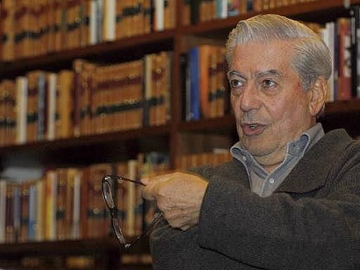 Nobelovu cenu za literauru získal letos slavný Peruánec Mario Vargas Llosa