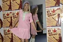 ROKENROL. Kostýmové zkoušky na scéně Divadla Broadway, na snímku Lucie Vondráčková.