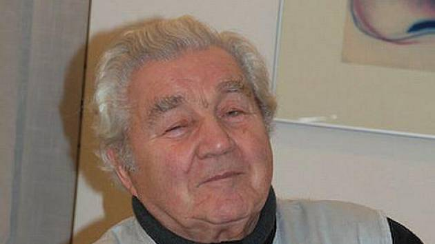 Plzeňský sochař Břetislav Holakovský si připomněl životní jubileum a právě chystá výstavu.