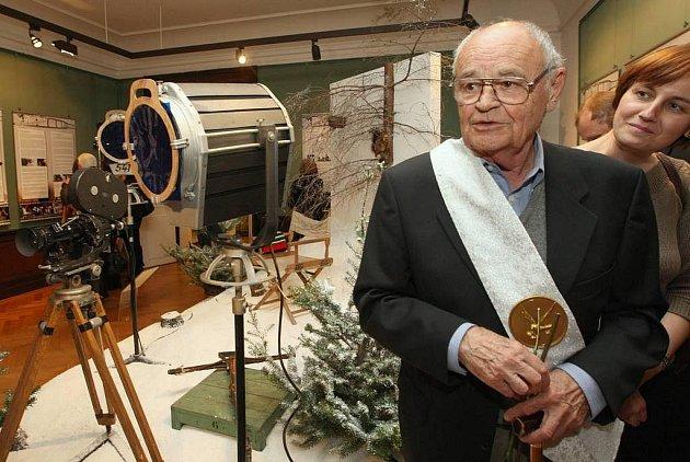 V pátek 9. 9. byla na zámku Moritzburg u Drážďan zahájena česko-německá výstava o nejoblíbenější pohádce v obou zemích Tři oříšky pro Popelku, která se natáčela právě zde. Výstavu zahájili princ Pavel Trávníček, režisér Václav Vorlíček a král Rolf Hoppe.
