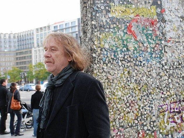 Jarek Nohavica vyrazil na podzim 2009 do Berlína. Na jeho stránkách najdete cestovní deník i fotky.