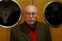 V pražském divadle Na Jezerce proběhlo 7. února slavnostní zahájení výstavy fotografií Lubomíra Lipského.
