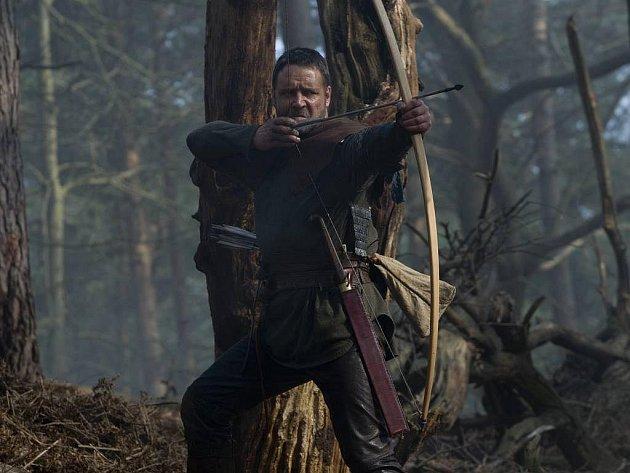 Robin Hood režiséra Ridleye Scotta s Russellem Crowem v hlavní roli