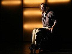 Jan Potměšil hraje představení Růže pro Algernon už neuvěřitelných 17 let