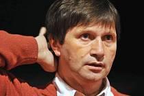 Režisér Jan Hrušínský 22. října na generální kostýmové zkoušce komedie Williama Shakespeara Večer tříkrálový. Premiéra je 26. října v pražském Divadle Na Jezerce.