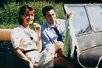 SE SERIÁLOVOU MANŽELKOU. Ilona v podání Jany Hubinské a Martin Dejdar coby Antonín Maděra na snímku z první série. Pro čtvrtou sérii budou muset maskéři Dejdara výrazně postaršit, hraje pětasedmdesátiletého muže.