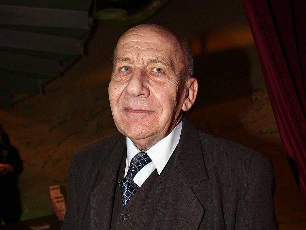Miroslav Moravec nedlouho před svou smrtí ještě stihl bohatýrsky oslavit 70. narozeniny v pražském Matu
