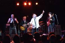 Rock a rhytm and blues hrající britská skupina Pretty Things, založená v roce 1963, nazývaná také ošklivější bratranci Rolling Stones, zahraje na 15. ročníku Mezinárodního jazz and blues festivalu v Ústí nad Labem.