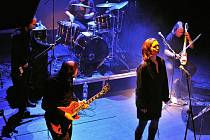 Půlnoc v lednu 2011 v pražském klubu Akropolis