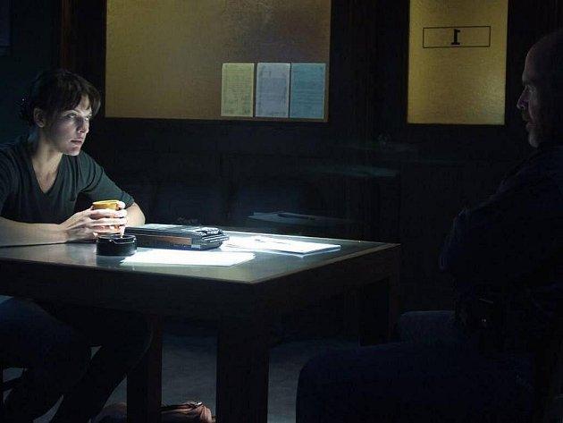 V roce 1972 byla stanovena stupnice vyšetřování UFO: Zpozorování je první druh setkání, shromáždění důkazů druhý stupeň, kontakt s mimozemšťany je druh třetí. Čtvrtý druh označuje únos. Na snímku Milla Jovovich ve filmu Čtvrtý druh z roku 2009.