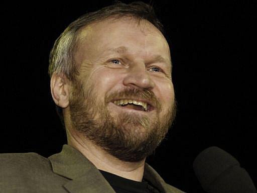 Knihou roku 2004 se 25. dubna stal beletrizovaný příběh bratří Mašínů nazvaný Zatím dobrý, který napsal česko-americký spisovatel a scenárista Jan Novák.