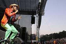 Skupina Nightwork na hudebním festivalu Okoř, který se konal 20. srpna pod zříceninou hradu Okoř.