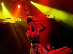 Vystoupení britské skupiny Morcheeba s navrátivší se zpěvačkou Skye Edwards zakončilo 16. ročník festivalu Rock for People.