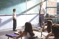 Impuls se možná inspiroval něžným americkým dramatem Pošli to dál s Haley Joelem Osmentem, Kevinem Spaceym a Helen Hunt, který vypráví o malém chlapci a jeho nádherném nápadu, jak by si měli lidé navzájem pomáhat.