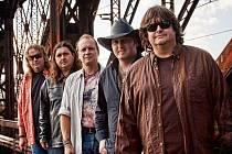 DOUBLE EAGLE. Country kapela plná zvučných jmen
