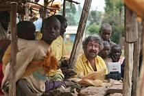 Část nové komedie Zdeňka Trošky Doktor od Jezera hrochů se natáčela v Africe, v Keni