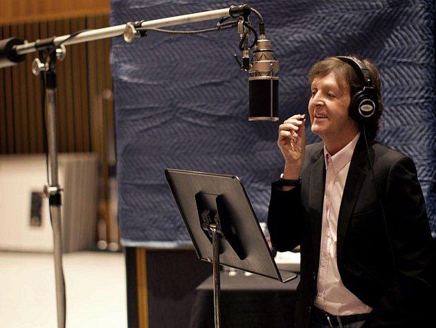 SLAVNÝ BROUK. Paulu McCartneymu hostovali ve dvou písních i Stevie Wonder a Eric Clapton.