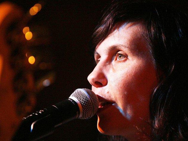 Eva Turnová, baskytaristka Plastic People