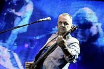 Slovenská kapela Elán s frontmanem Jožem Rážem koncertovala v rámci svého turné 20. října v Praze.