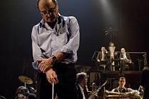 Zkouška orchestru v Divadle na Vinohradech