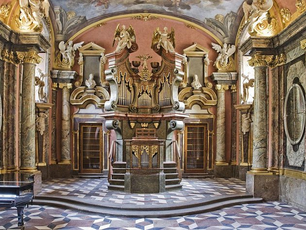 Unikátní barokní Zrcadlová kaple v Klementinu je znovu otevřena pro veřejnost