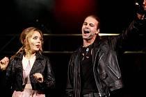 Divadlo Broadway v Praze představilo 13. října novinářům ukázku z muzikálu Ať žije rokenrol, který bude mít za týden premiéru.