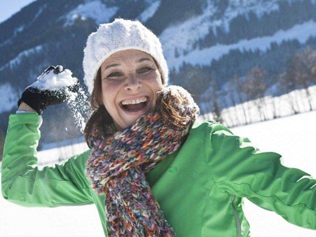 Děti, sterší lidé, pacienti s nemocným srdcem nebo astmatici by si měli při třeskutých mrazech dát pozor na své zdraví.