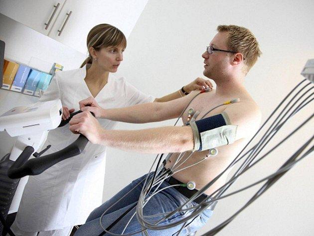 Kardiaci  mohou mít v extrémní zimě větší bolesti na hrudi, dušnost, zhoršení arytmie či jiné projevy srdeční choroby.