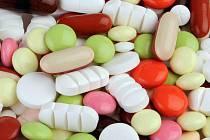 Přehnané množství vitamínů vám může i uškodit.