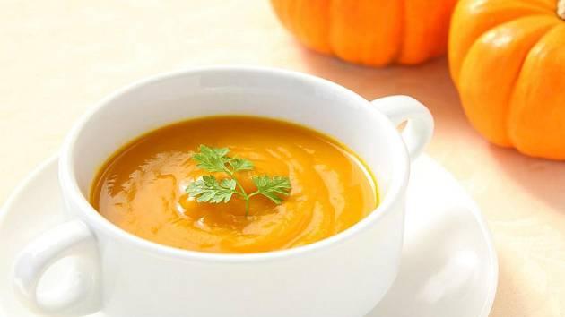 Vynikající dýňovou polévku, koláč, kompot nebo některý z dalších dýňových receptů zařaďte do rodinného jídelníčku také v případě, že vás nebo vaše blízké trápí diabetes.