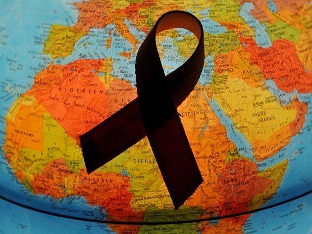 Počet HIV pozitivních v Arábii vzrostl ze zhruba 45 tisíc v roce 2001 na 160 tisíc v roce 2010.