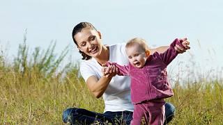 Svobodná matka znovu chodí