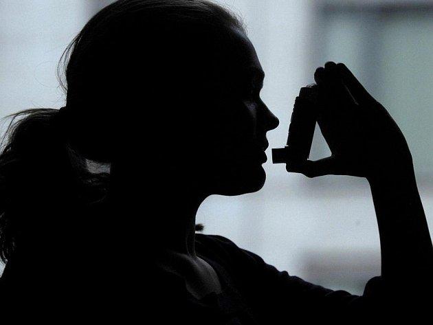 Astmatem u nás trpí půl milionu lidí. Dalčích 250 tisíc o nemoci neví.
