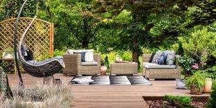 Zahradní posezení: Zmateriálů vládnou zejména dřevo a plast