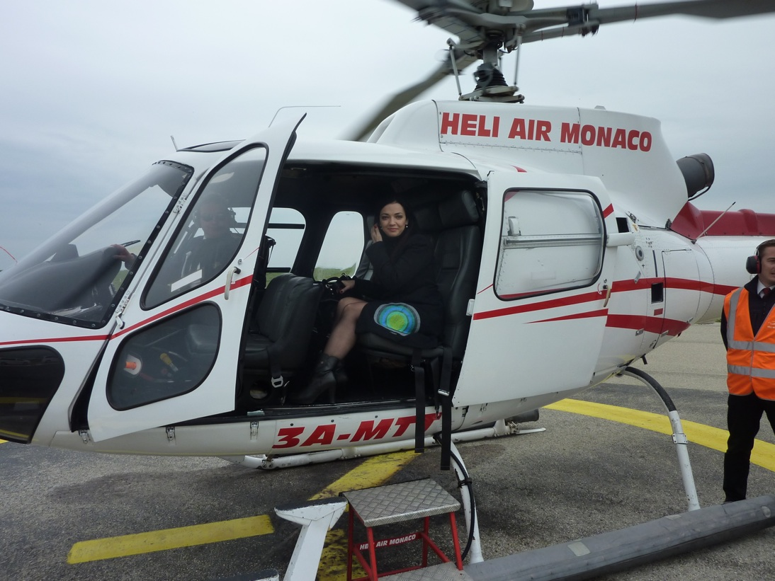 Monika vhelikoptere