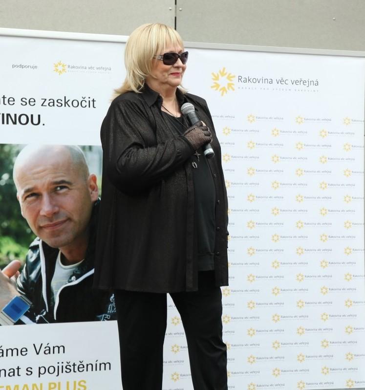 Zpěvačka se zapojila ido osvětové kampaně, která upozorňuje na riziko rakoviny.