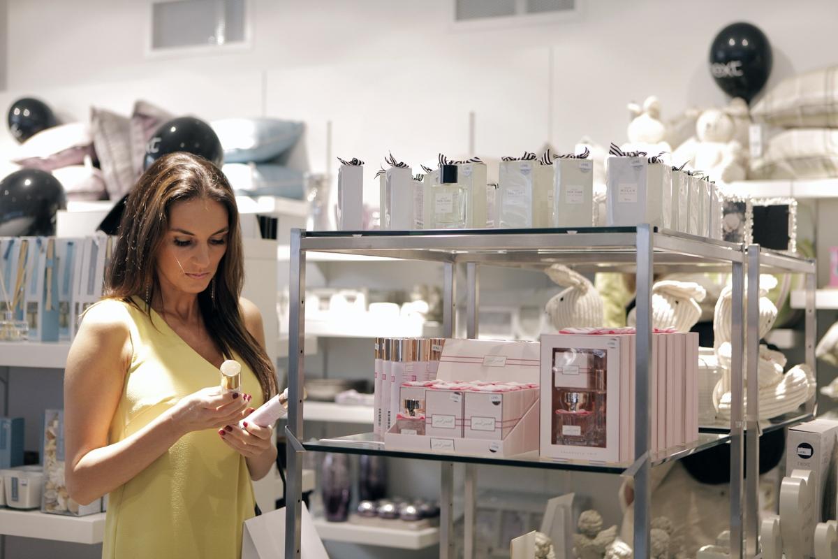 Kromě doplňků do bytu si známá kráska prošla také kosmetickou sekci.